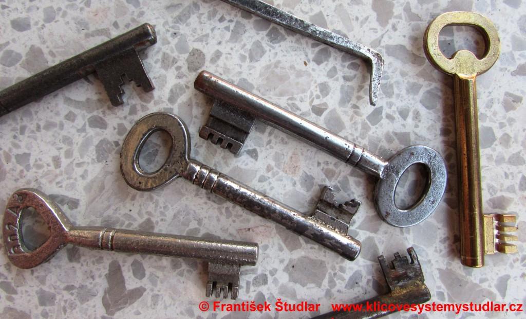 1 - dozické klíče